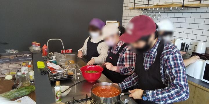 キャリア・カフェ調理の様子